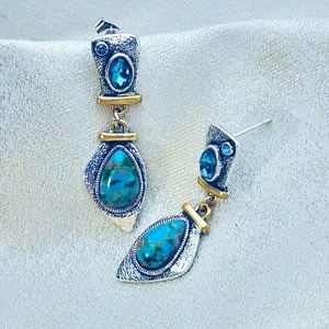 Jewelry - Turquoise Earring